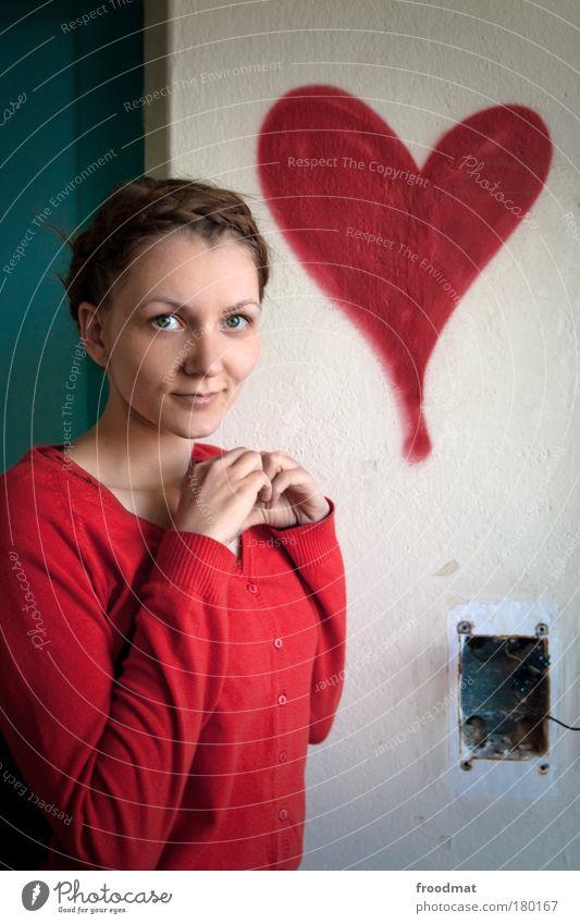 herzlichen glückwunsch Frau Mensch Jugendliche schön Erwachsene feminin Graffiti Gefühle Glück träumen Herz ästhetisch Romantik Kitsch dünn Verfall