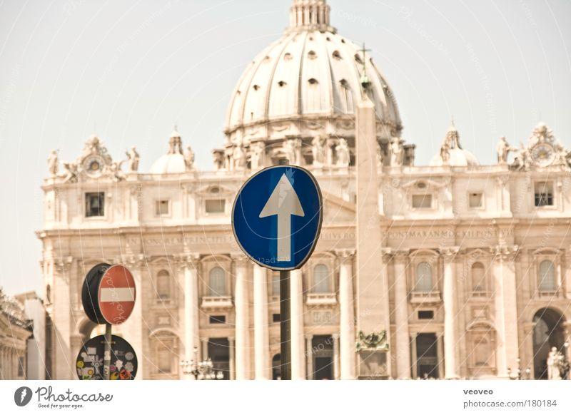 |.|||o|||| Religion & Glaube authentisch Tourismus modern Europa einzigartig Kultur Italien Kitsch Verfall skurril Handel Sehenswürdigkeit Dom Hauptstadt