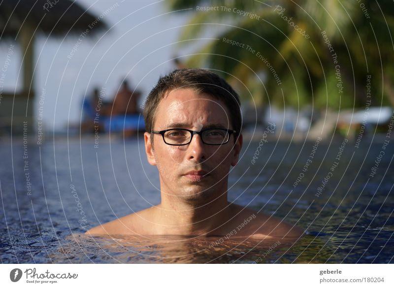 me in the pool - again Mensch Mann Gesicht Kopf Denken Erwachsene maskulin Porträt Coolness natürlich stark direkt selbstbewußt neutral Sonnenaufgang