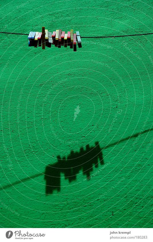 online community grün Freude Wand Glück Mauer Gebäude Fassade Fröhlichkeit Häusliches Leben Hoffnung Warmherzigkeit Idylle Italien Bauwerk Dorf Ordnung