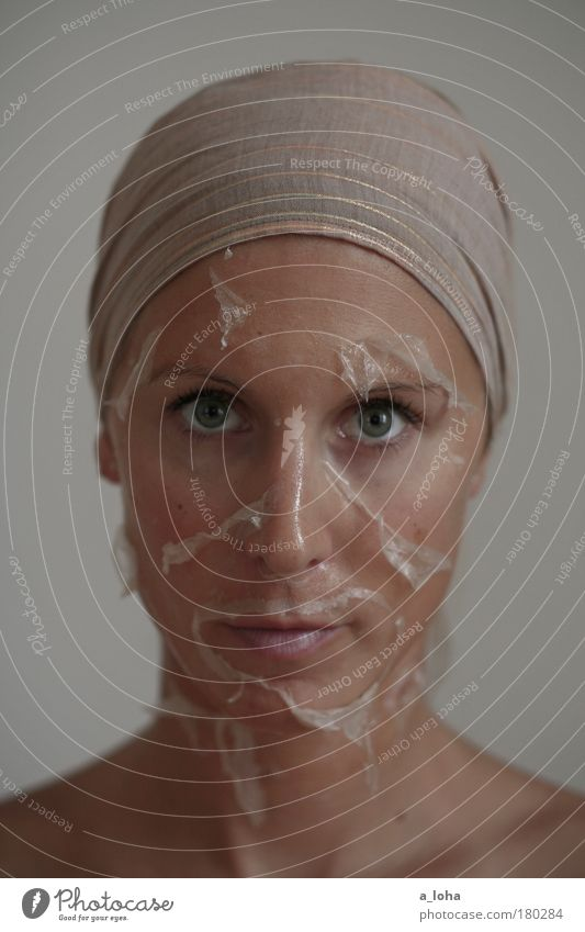 metamorphose Mensch Jugendliche schön ruhig Erwachsene Gesicht feminin Gefühle Stimmung Haut außergewöhnlich Reinigen Sauberkeit rein 18-30 Jahre