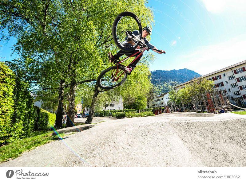 Pumptrack Run, tabletop Mann Stadt Freude Erwachsene Leben Bewegung Lifestyle Sport Stil fliegen Tourismus springen maskulin Freizeit & Hobby Zufriedenheit