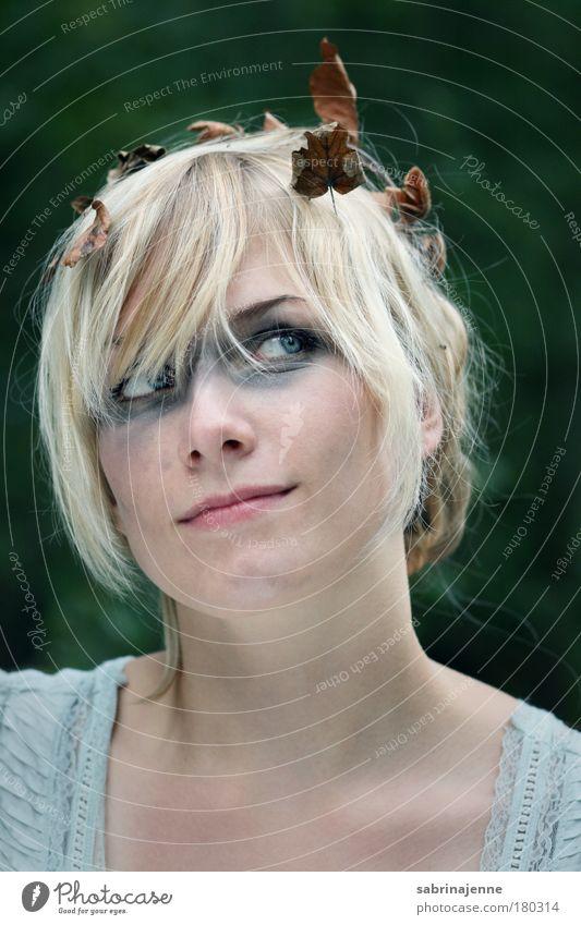 Wo die Feen tanzen Mensch Jugendliche blau grün schön Erwachsene Gesicht Auge kalt feminin Haare & Frisuren Kopf Junge Frau hell blond natürlich