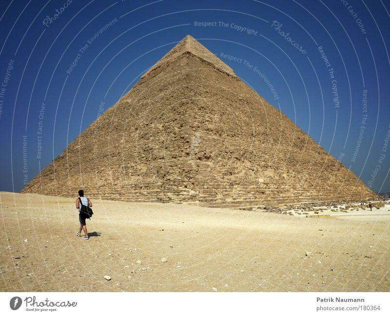 Touristenwunder Mensch Himmel Sonne Sommer Landschaft Sand Wärme maskulin Abenteuer Wüste Zeichen Afrika Schönes Wetter Denkmal Wahrzeichen Hauptstadt