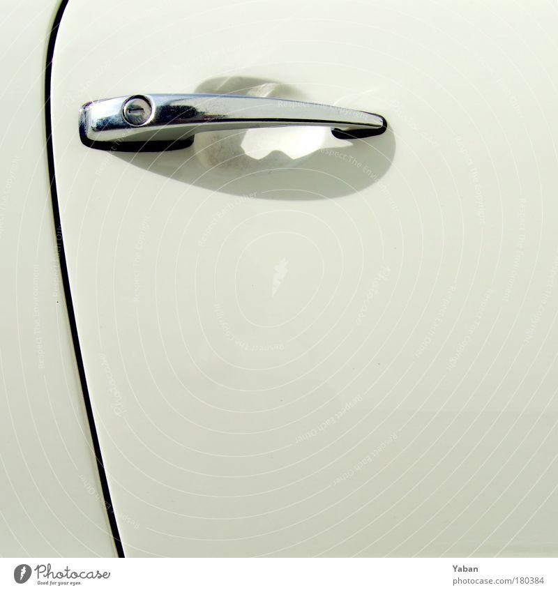 Oldtimer White Door alt weiß Stil PKW KFZ Linie elegant ästhetisch fahren Fahrzeugteile authentisch Freizeit & Hobby Autotür Stahl Schloss silber