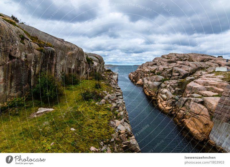 Wasserstraße Ferien & Urlaub & Reisen Tourismus Abenteuer Ferne Meer Natur Landschaft Pflanze Urelemente Wolken schlechtes Wetter Felsen Küste Bucht Ostsee