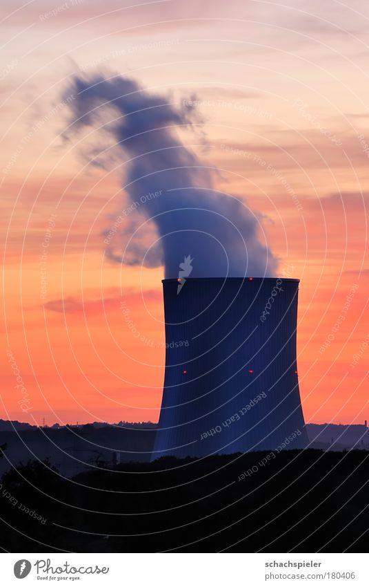 Rauchzeichen Himmel Wolken Umwelt Energiewirtschaft Elektrizität Klima Abenddämmerung Umweltschutz Umweltverschmutzung Wasserdampf Klimawandel Klimaschutz Kohlekraftwerk Kühlturm