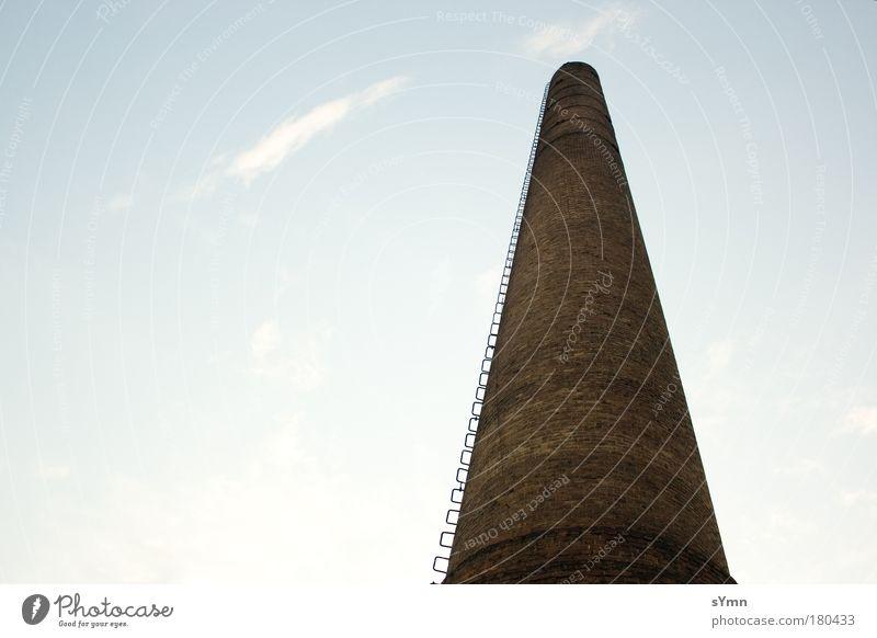 Phallussymbol ruhig gelb Ferne Gebäude braun Kraft dreckig Architektur groß hoch Industrie Macht Fabrik bedrohlich Baustelle