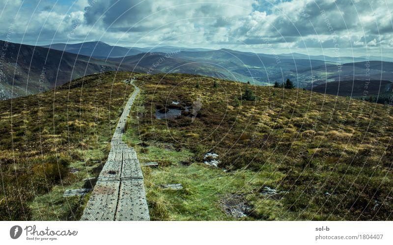 tkmwy Natur Ferien & Urlaub & Reisen grün Landschaft Wolken Ferne Berge u. Gebirge Umwelt Wege & Pfade Gras Gesundheit Freiheit Tourismus wild frei Luft