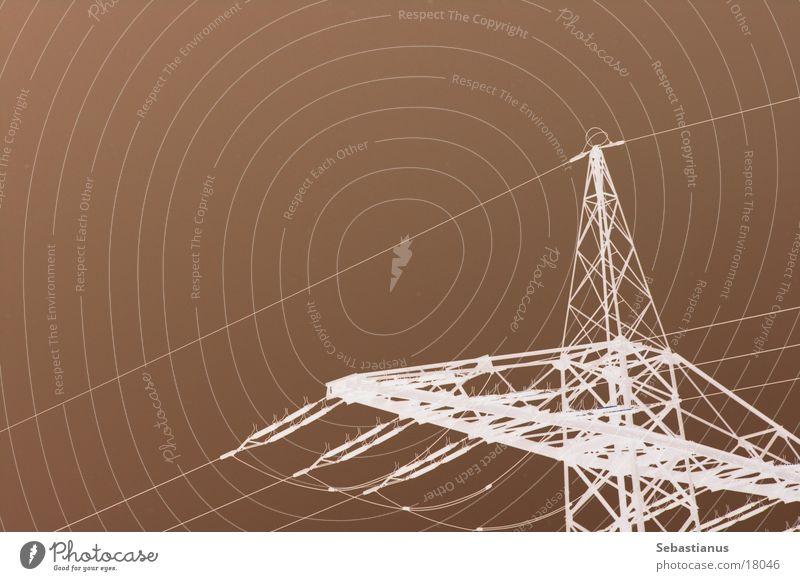 Strom ist überall weiß braun Elektrizität Technik & Technologie Kabel Stahl Strommast Eisen Leitung Keramik Elektrisches Gerät Isolatoren