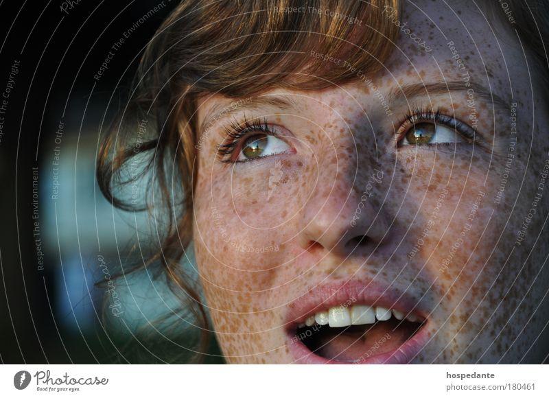 Euphorie & Ekstase Frau Jugendliche Gesicht schön Sommer Leben feminin Porträt Freiheit Glück träumen Mensch Freude Blick nach oben Mund