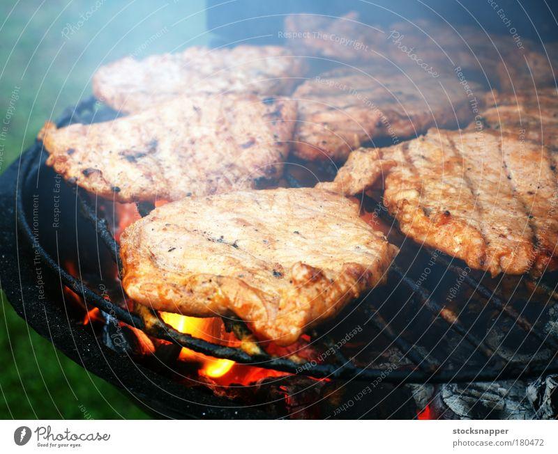 Fleisch Steak Grill Grillrost Grillen heiß Lebensmittel