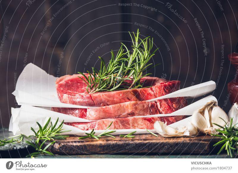 Stapel rohes Steaks mit Rosmarin Lebensmittel Fleisch Kräuter & Gewürze Ernährung Mittagessen Abendessen Bioprodukte Diät Stil Design Gesunde Ernährung Tisch