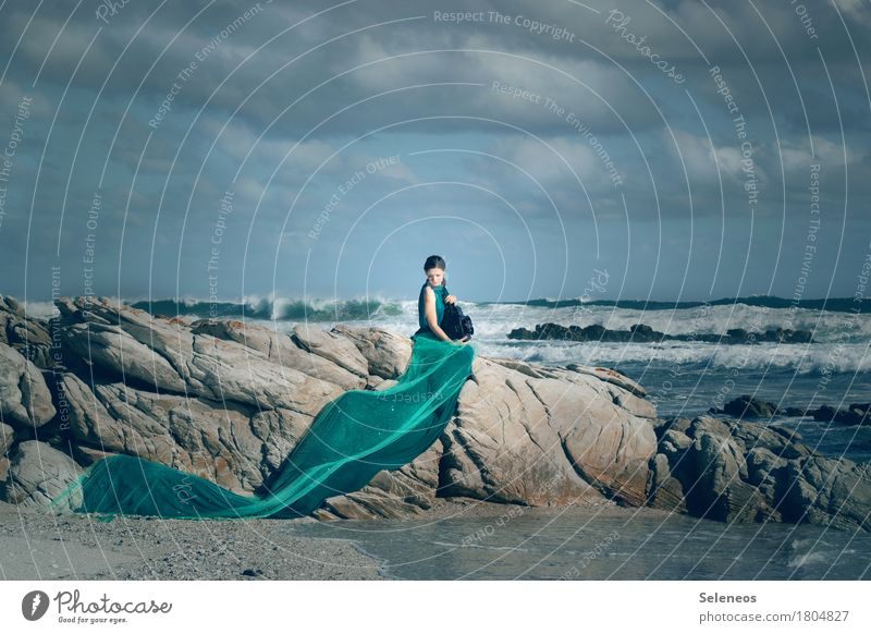 my sea Ferne Freiheit Sommer Strand Meer Wellen Mensch feminin Frau Erwachsene 1 Natur Landschaft Wasser Himmel Wolken Horizont Sturm Küste Kleid Laterne nass