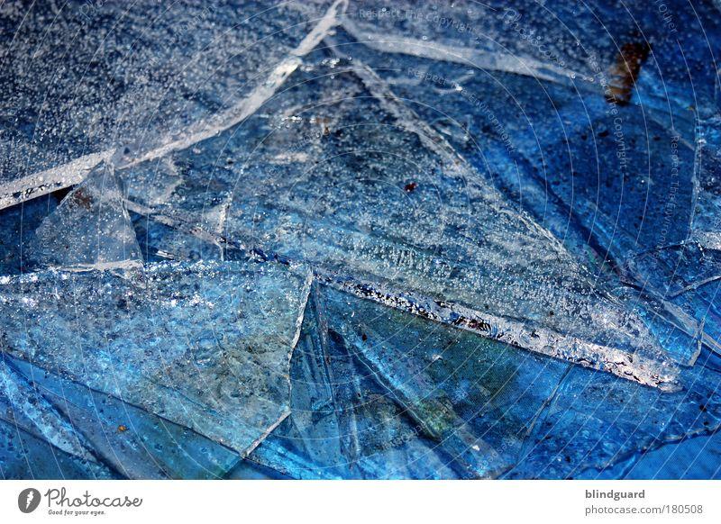 Coming Soon Farbfoto Detailaufnahme Menschenleer Tag Reflexion & Spiegelung Wasser Winter Eis Frost frieren fest kalt nass blau weiß Reinheit gefährlich