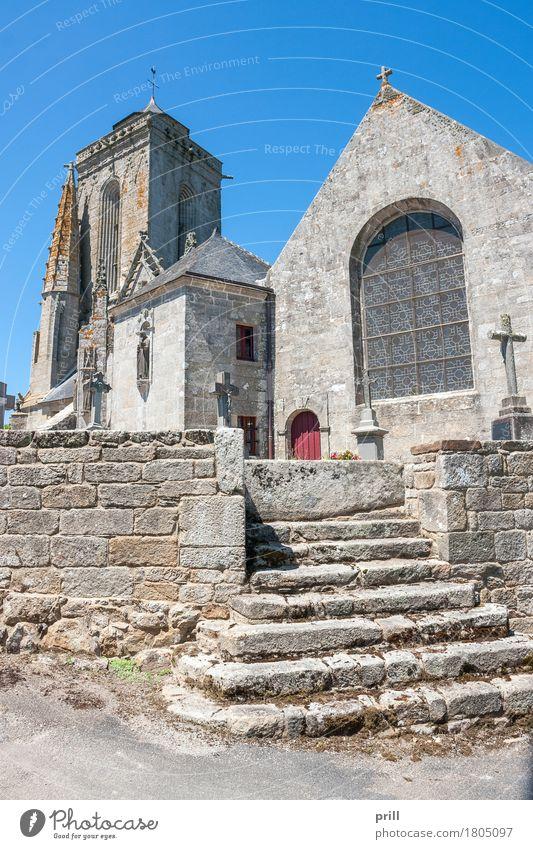 Saint Tugen in Primelin Sommer Kultur Gebäude Architektur Treppe Stein alt historisch Religion & Glaube Tradition saint tugen primelin kapelle Bretagne kirche