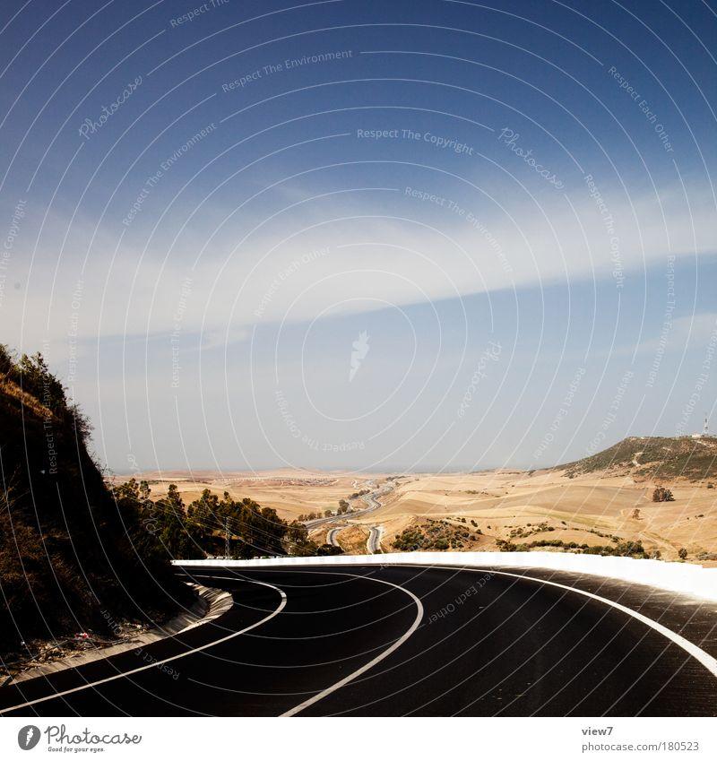 on the road again ... Himmel Natur blau Ferne gelb Straße Landschaft Sand Wege & Pfade Wärme Horizont Schilder & Markierungen Beton Verkehr frei trist