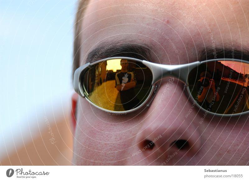 Cool³ Mann Kopf Nase Sonnenbrille Stirn