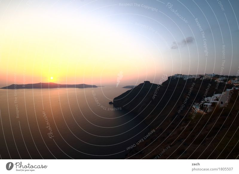 versunken Natur blau Wasser Meer Küste Felsen Insel Schönes Wetter Romantik Hügel Wolkenloser Himmel Mittelmeer Griechenland Santorin Ägäis Caldera