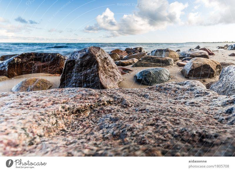 Ostseestrand Landschaft Wasser Wolken achtsam Vorsicht Gelassenheit geduldig ruhig Farbfoto Außenaufnahme Menschenleer Tag
