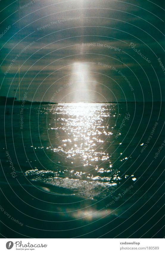 an'n strann Farbfoto Holga Reflexion & Spiegelung Sonnenlicht Sonnenstrahlen Sommer Küste Strand Meer Mittelmeer Natur Bucht Tag