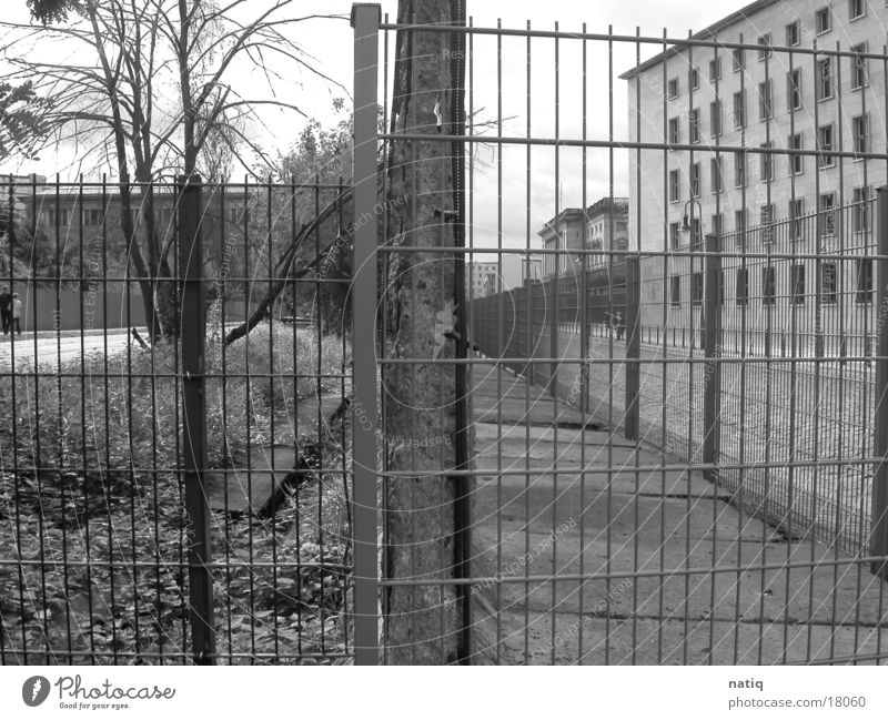 Ost vs. West Berlin Mauer historisch Osten Westen