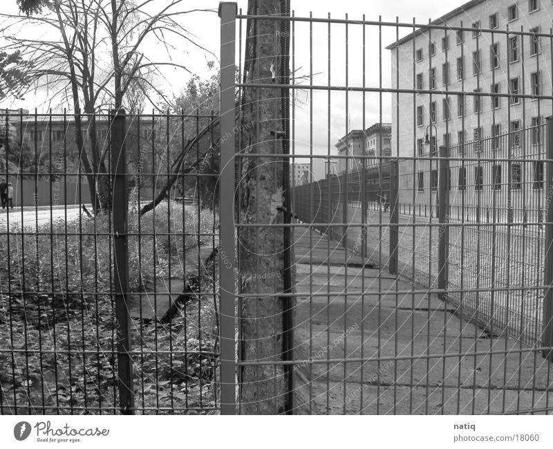 Ost vs. West Berlin Mauer historisch Osten Westen