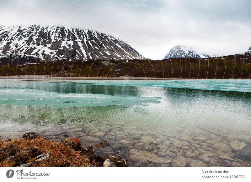 Gletschersee Natur Wasser Landschaft Einsamkeit Ferne Berge u. Gebirge kalt Frühling Schnee Freiheit See Felsen Regen Ausflug Eis wandern