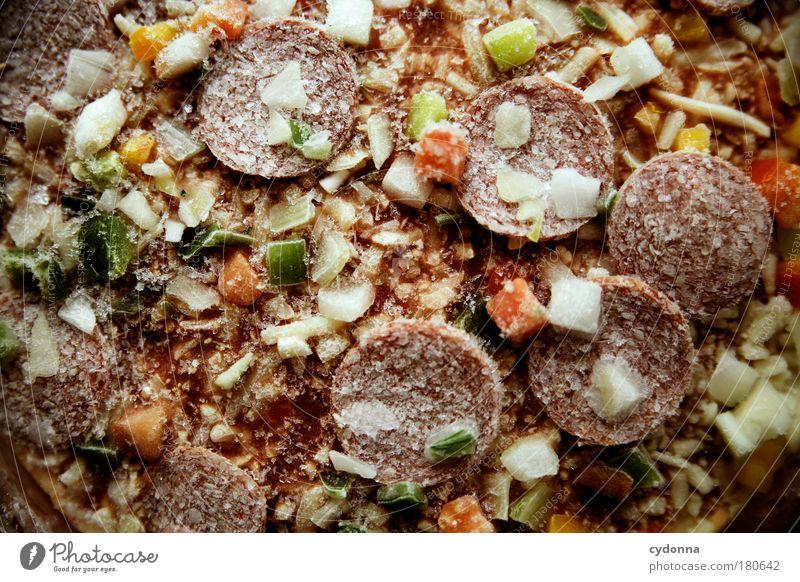 Pizzaaaaaa! Farbfoto Nahaufnahme Detailaufnahme Makroaufnahme Menschenleer Tag Licht Schatten Kontrast Schwache Tiefenschärfe Totale Lebensmittel Ernährung