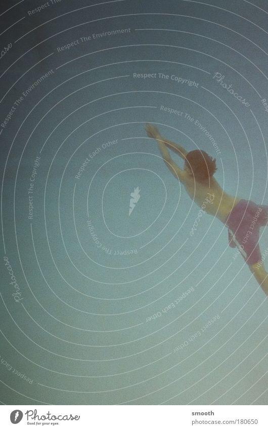 Kleiner Schwimmer Farbfoto Unterwasseraufnahme Tag Freizeit & Hobby Spielen Ferien & Urlaub & Reisen Freiheit tauchen Junge Kindheit Wasser Meer Badehose