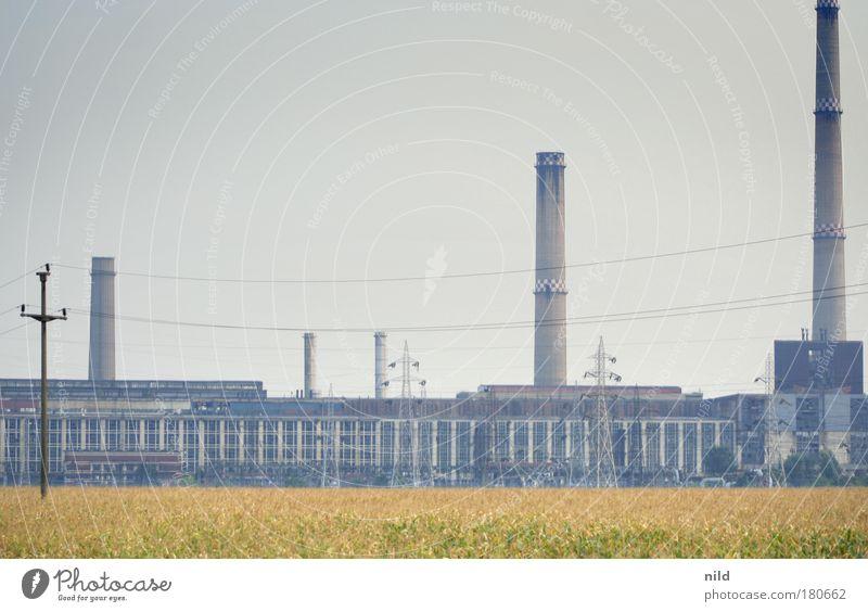 Roadtrip - Industrie-Energie I dunkel Feld Angst Energiewirtschaft trist verfallen Schornstein Stromkraftwerke gigantisch