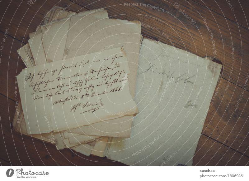 altes papier dunkel Traurigkeit retro Papier historisch lesen Information schreiben Schriftstück analog Erinnerung Brief Nostalgie Wissen Text