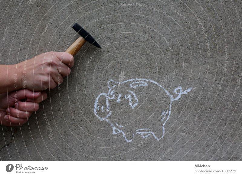 Und dann hau' ich mit dem Hämmerchen.... weiß Hand Graffiti grau Armut kaufen Beton Geld Gemälde Geldinstitut reich bezahlen Aggression Ruhestand sparen