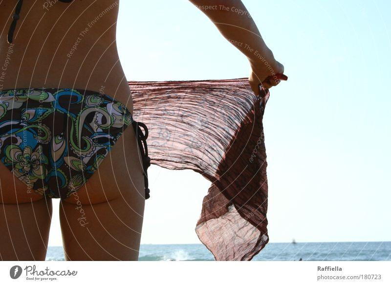 gute Aussichten Mensch Jugendliche blau Sonne Strand Ferien & Urlaub & Reisen Meer Ferne Erholung Frau feminin Freiheit Glück Erwachsene Wellen Körper