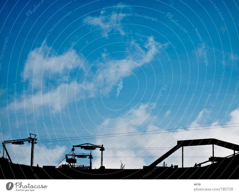 der sommerschlaf ist bald vorbei! Himmel blau Ferien & Urlaub & Reisen Winter Berge u. Gebirge Skilift Winterurlaub Skipiste Sportstätten