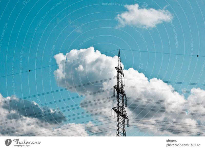 Hochstromwolken Himmel blau grün weiß Wolken schwarz Klima Zukunft Elektrizität Technik & Technologie Kabel Industrie Strommast Blauer Himmel