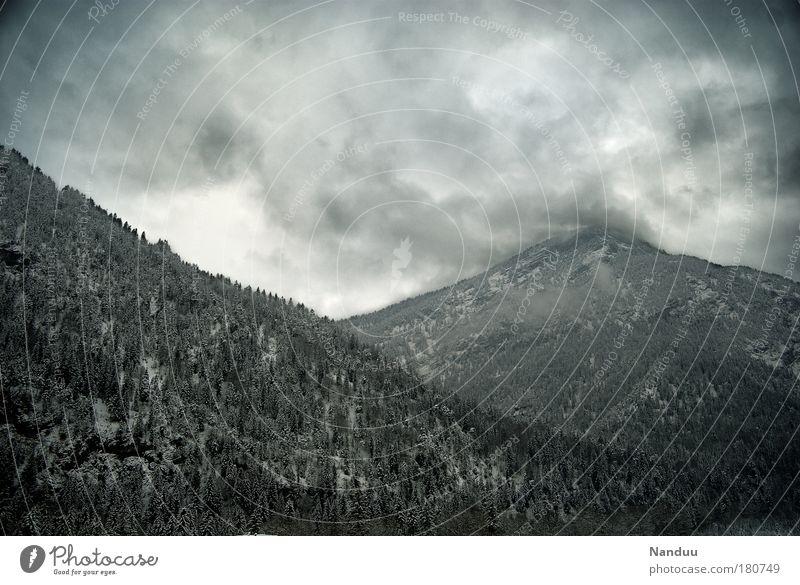 Es gibt kein schlechtes Wetter Winter Wolken Wald kalt Berge u. Gebirge grau Landschaft Wetter bedrohlich Gipfel Bayern schlechtes Wetter Februar