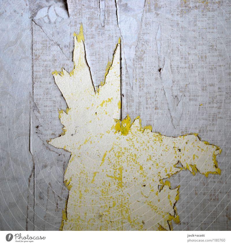 Überrest Tapetenmuster Wohnung Wand Dekoration & Verzierung Papier alt kaputt trashig gelb grau Stimmung Verfall Wandel & Veränderung Rest Spitze Fetzen