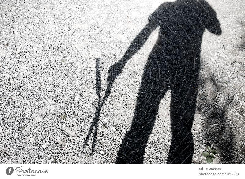 KOPFLOS Mensch Blatt Einsamkeit Garten Angst warten verrückt gefährlich Macht trist bedrohlich gruselig Jagd Gewalt Todesangst Leidenschaft