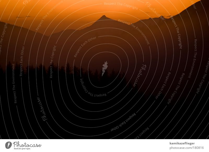 mordor Natur rot Sommer Ferien & Urlaub & Reisen schwarz Ferne Berge u. Gebirge Landschaft Nebel Gipfel Schönes Wetter Sonnenaufgang Wolkenloser Himmel