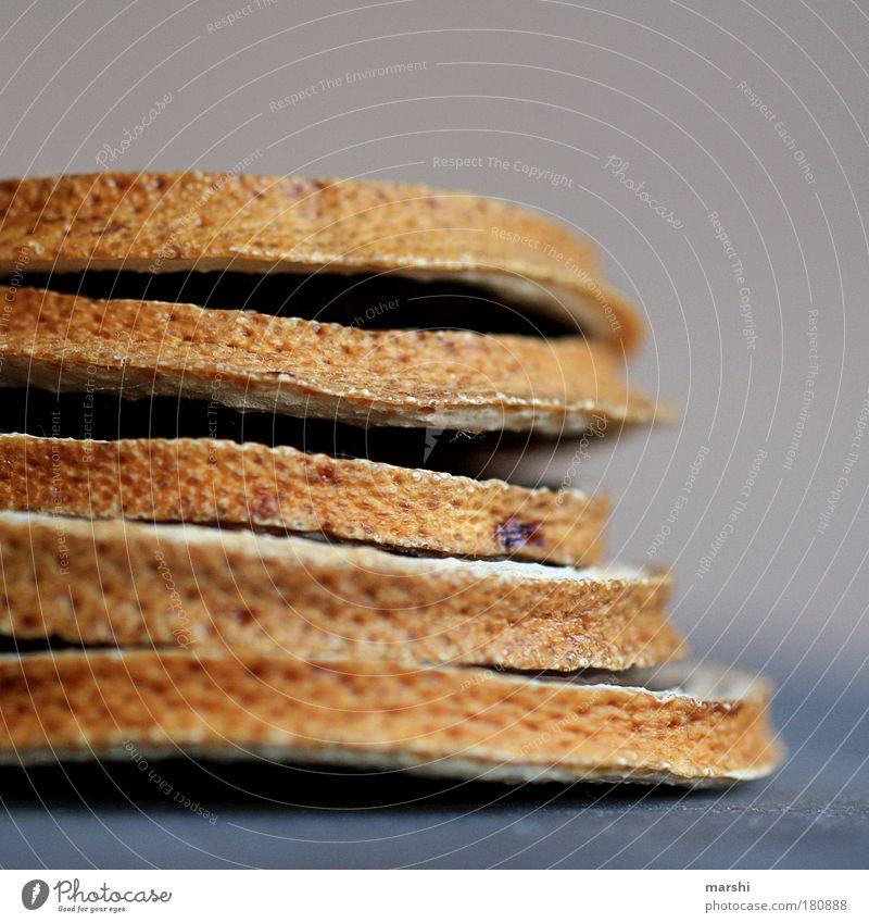 Burger ohne alles Farbfoto Nahaufnahme Detailaufnahme Unschärfe Lebensmittel Teigwaren Backwaren Brot Ernährung alt außergewöhnlich rund braun Orange