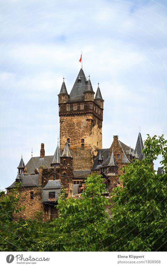 """Reichsburg Cochem """"Mosel Eifel"""" Deutschland Europa Kleinstadt Altstadt Burg oder Schloss Bauwerk Gebäude Architektur Sehenswürdigkeit Wahrzeichen Denkmal"""