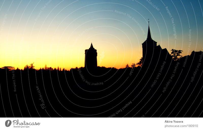 Budyšin - going to sleep Himmel Stadt blau schwarz Haus gelb Horizont ästhetisch Tourismus Kirche Kultur Skyline Wahrzeichen Sonnenaufgang Sehenswürdigkeit