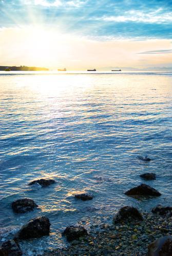 Sonnenuntergang auf dem Meer Himmel Natur Ferien & Urlaub & Reisen blau Farbe Sommer schön Wasser Landschaft rot Wolken Strand Wärme gelb
