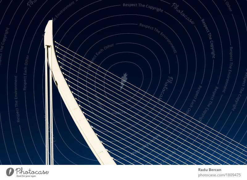 Weiße abstrakte Brücken-Struktur auf Himmel Ferien & Urlaub & Reisen Stadt blau Farbe schön weiß Ferne Architektur Stil Gebäude Kunst außergewöhnlich Freiheit