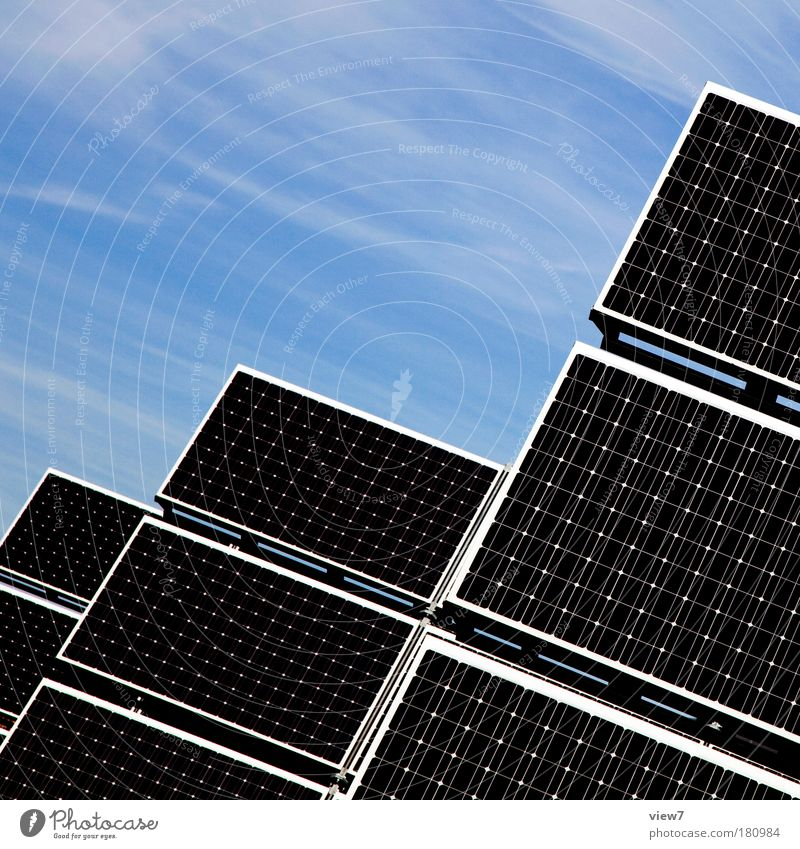 regenerative Energie Technik & Technologie Energiewirtschaft Erneuerbare Energie Sonnenenergie Energiekrise Himmel Klimawandel Linie ästhetisch eckig groß hoch