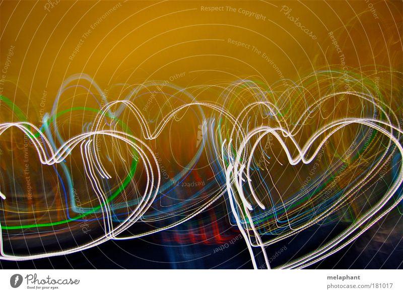 Hartjes in een zomernacht. Sommer Liebe Graffiti Gefühle Glück träumen Musik Kunst Herz Design abstrakt Dekoration & Verzierung Europa Zeichen Verliebtheit Kino