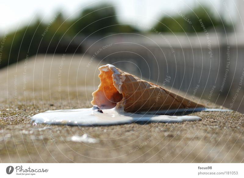 Jetzt schmilzt`s Ernährung Lebensmittel Ausflug Speiseeis genießen Süßwaren Ekel Milcherzeugnisse