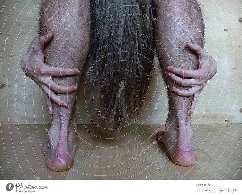 Rapunzel maskulin feminin Mann Erwachsene Haut Haare & Frisuren Hand Beine Fuß 2 Mensch berühren stehen sportlich dehnen beweglich dehnbar Yoga Ferse Wade