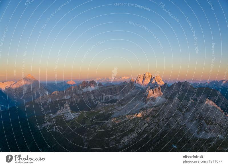 Dolomiten II Himmel Natur Ferien & Urlaub & Reisen schön Landschaft Ferne Berge u. Gebirge Umwelt Freiheit Felsen Horizont Ausflug wandern Aussicht groß